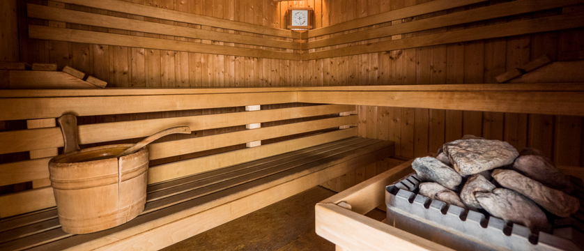 france_montegenevre_hotel_residence_merilys_sauna.jpg